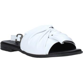 Topánky Ženy Sandále Bueno Shoes Q2005 Biely