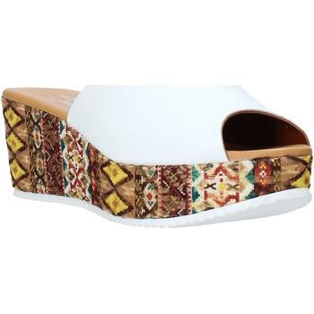 Topánky Ženy Šľapky Grace Shoes 10 Biely