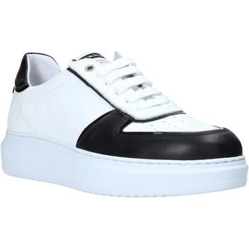 Topánky Muži Nízke tenisky Exton 956 čierna