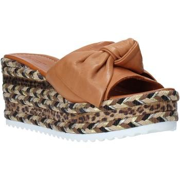 Topánky Ženy Šľapky Bueno Shoes N3604 Hnedá