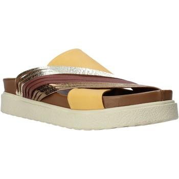 Topánky Ženy Šľapky Bueno Shoes CM2206 žltá