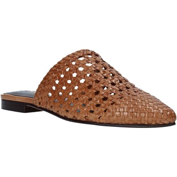 Topánky Ženy Nazuvky Marco Ferretti 161357MW Hnedá
