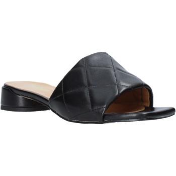 Topánky Ženy Šľapky Grace Shoes 971Y001 čierna
