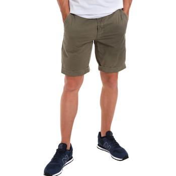 Oblečenie Muži Šortky a bermudy Gaudi 011BU25023WC Zelená