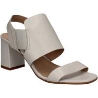 Topánky Ženy Sandále Mally 5228 Biely