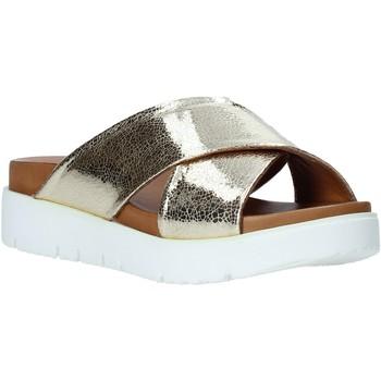 Topánky Ženy Šľapky Bueno Shoes 9N3408 Zlato