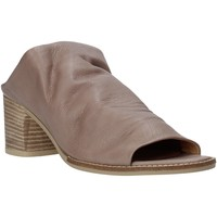 Topánky Ženy Šľapky Bueno Shoes N6103 Šedá