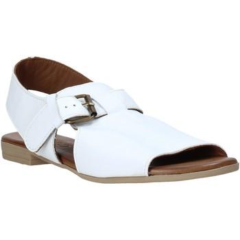 Topánky Ženy Sandále Bueno Shoes 9L2700 Biely