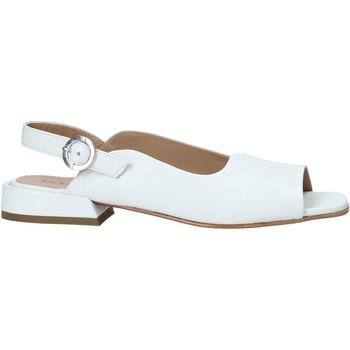 Topánky Ženy Sandále Mally 6826 Biely