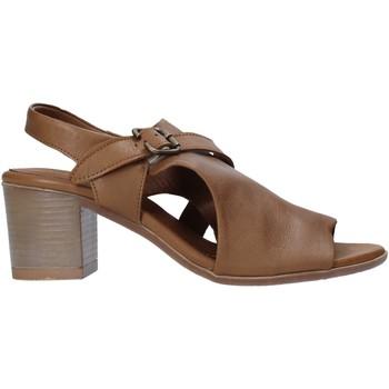 Topánky Ženy Lodičky Bueno Shoes 9L102 Hnedá