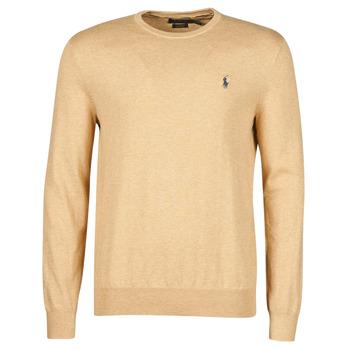 Oblečenie Muži Svetre Polo Ralph Lauren PULL COL ROND AJUSTE EN COTON PIMA LOGO PONY PLAYER Ťavia hnedá