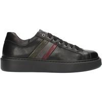 Topánky Muži Nízke tenisky Exton 888 Black