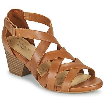 Topánky Ženy Sandále Clarks LORENE POP Ťavia hnedá