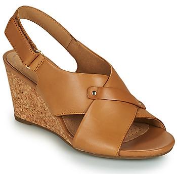 Topánky Ženy Sandále Clarks MARGEE EVE Béžová