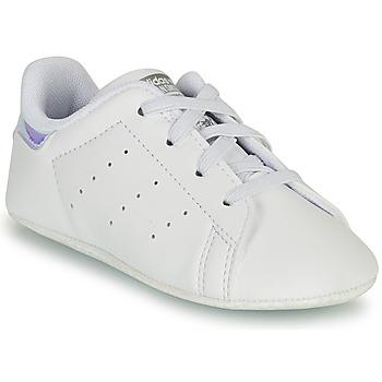 Topánky Dievčatá Nízke tenisky adidas Originals STAN SMITH CRIB SUSTAINABLE Biela / Strieborná