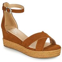 Topánky Ženy Sandále Bullboxer 268003F2T Hnedá