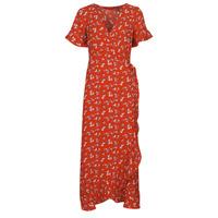 Oblečenie Ženy Dlhé šaty Vero Moda VMSAGA Červená