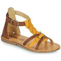 Topánky Dievčatá Sandále Citrouille et Compagnie GITANOLO Žltá / Ťavia hnedá