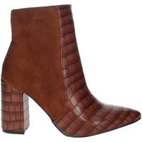 Topánky Ženy Čižmičky Pregunta PFC9144-MC Brown leather