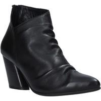 Topánky Ženy Čižmičky Bueno Shoes 20WR1400 čierna