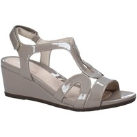 Topánky Ženy Sandále Stonefly 110241 Hnedá