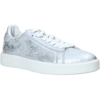 Topánky Ženy Nízke tenisky Diadora 201171917 Striebro