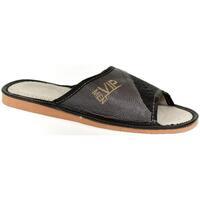 Topánky Muži Papuče John-C Pánske sivo-čierne papuče VIPMEN čierna