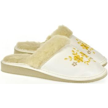 Topánky Ženy Papuče John-C Dámske biele papuče MALVINA biela