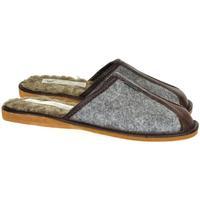 Topánky Muži Papuče Just Mazzoni Pánske sivo-hnedé papuče SIMON sivá