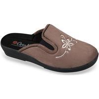 Topánky Ženy Papuče Mjartan Dámske papuče  DIA bordová