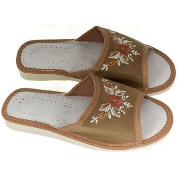 Topánky Ženy Papuče John-C Dámske hnedé papuče VERONA hnedá