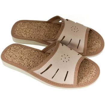 Topánky Ženy Papuče John-C Dámske kožené svetlo-hnedé papuče IWA ťavia