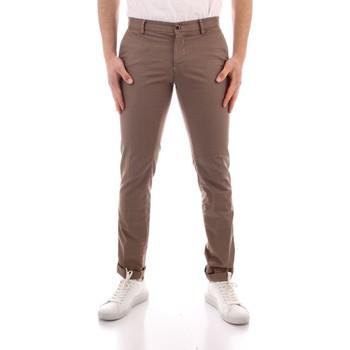 Oblečenie Muži Nohavice Chinos a Carrot Powell CBE412 WHITE