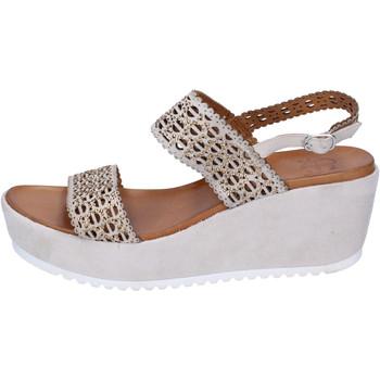 Topánky Ženy Sandále Femme Plus BJ892 Béžová