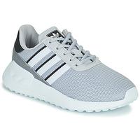 Topánky Chlapci Nízke tenisky adidas Originals LA TRAINER LITE C Šedá
