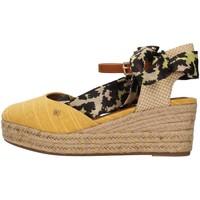 Topánky Ženy Sandále Wrangler WL11611A YELLOW