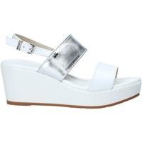 Topánky Ženy Sandále Valleverde 32212 Biely
