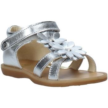 Topánky Dievčatá Sandále Naturino 502680 02 Striebro