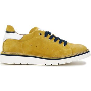 Topánky Muži Módne tenisky Café Noir TS6010 žltá