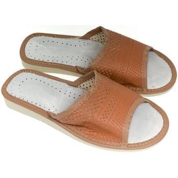 Topánky Ženy Papuče John-C Dámske hnedé papuče IRINA ťavia