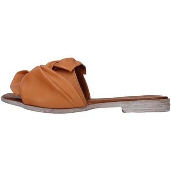 Topánky Ženy Šľapky Bueno Shoes 21WN5040 BROWN