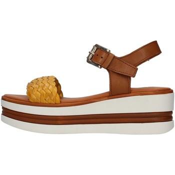Topánky Ženy Sandále Pregunta PQ6605000 YELLOW