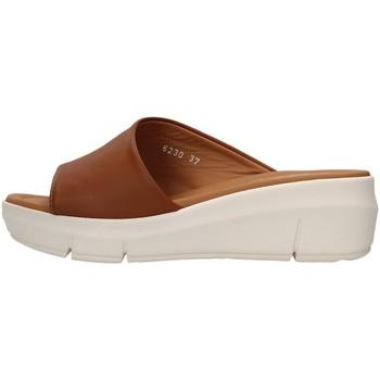 Topánky Ženy Šľapky Melluso R80411 BROWN