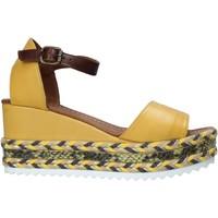 Topánky Ženy Sandále Bueno Shoes 21WQ6000 žltá