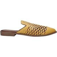 Topánky Ženy Nazuvky Bueno Shoes 21WN0103 žltá