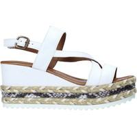 Topánky Ženy Sandále Bueno Shoes 21WQ6002 Biely