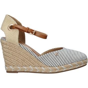 Topánky Ženy Sandále Wrangler WL11620S Béžová