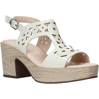 Topánky Ženy Sandále CallagHan 28701 Béžová