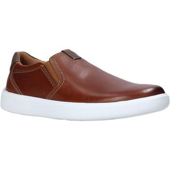 Topánky Muži Slip-on Clarks 26158126 Hnedá