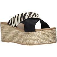 Topánky Ženy Šľapky Gold&gold A21 GK98 čierna
